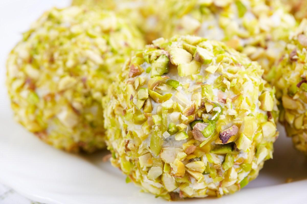 Bon bon di prosciutto cotto e granella di pistacchi