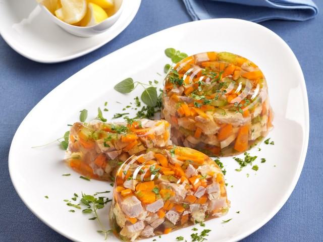 Aspic di prosciutto cotto, pollo e zucchine
